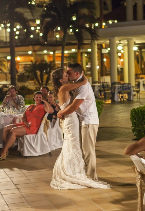 Jamie Adam wedding 4 500x728 - Jamie & Adam – Riu Palace, Los Cabos