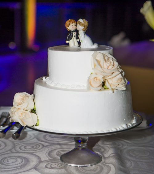 Cake Topper 500x565 - Hollie & Colin - Now Jade