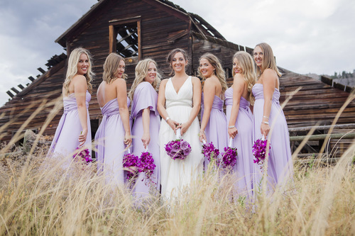 Why bridesmaid wear the same dress