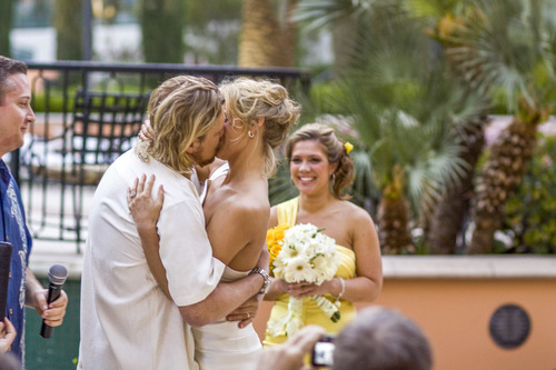 our-impossibly-insane-but-totally-true-wedding-story-11