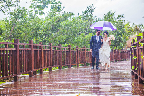 rain-on-wedding-day-wedding-traditions-2