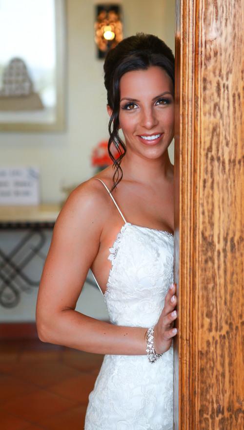 ten-tricks-for-looking-terrific-in-your-wedding-photos-2