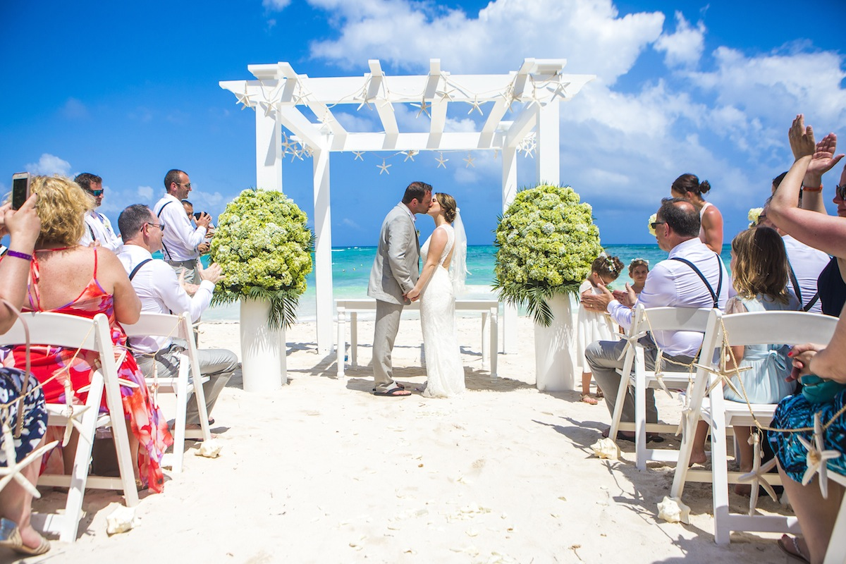 If You Are Looking For A Wedding Photographer In The Riviera Maya Mexico Then Contact Us Here Today We Fun Sun Weddings Your Best Choice