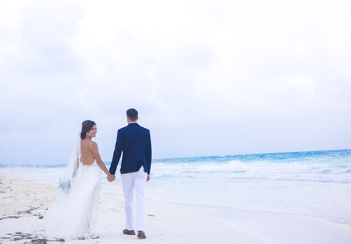how to do a destination wedding? the simple guide to planning a destination wedding