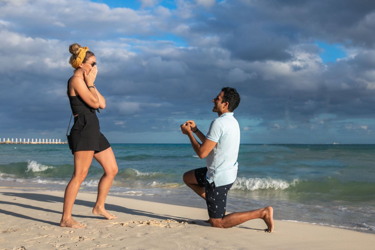 Neeraj Playa del Carmen Proposal 2 1200x800 - Engagement