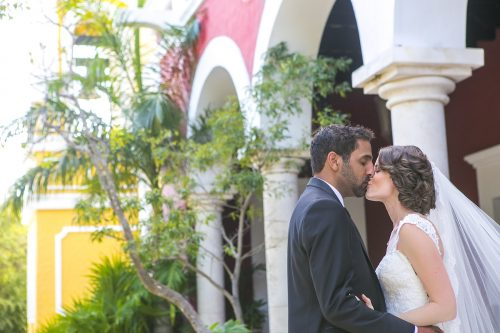 Newlyweds First look Grps 99 500x333 - Tara & Pablo - Xcaret Eco Park