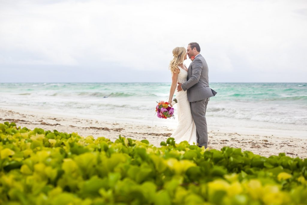 Shane Brandon Akiin Beach Club Tulum 14 1024x683 - How To Pick The Best Cancun Wedding Packages For The Rainy Season?