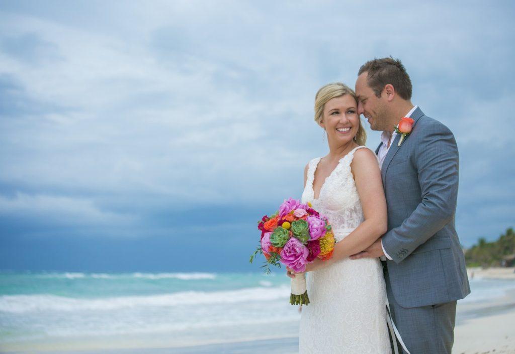 Shane Brandon Akiin Beach Club Tulum 16 1024x705 - What To Wear To A Rainy Season Wedding In Cancun?