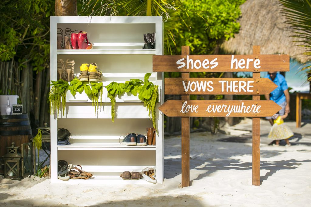 Jot and Amy Akiin Beach Club Tulum 30 1024x683 - 6 Cool Beach Wedding Decor Ideas That You'll Want To Steal!