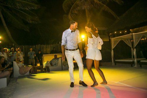 Jot and Amy Akiin Beach Club Tulum 500x333 - Jot & Amy - Ak'iin Beach Club