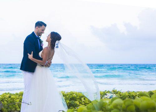 Jot and Amy Akiin Beach Club Tulum 9 500x361 - Jot & Amy - Ak'iin Beach Club