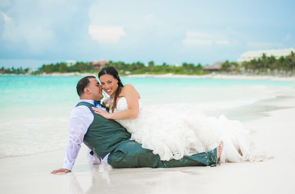 stefanie cory secrets akumal riviera 1024x672 - Should You Trash The Dress? The Pros & Cons