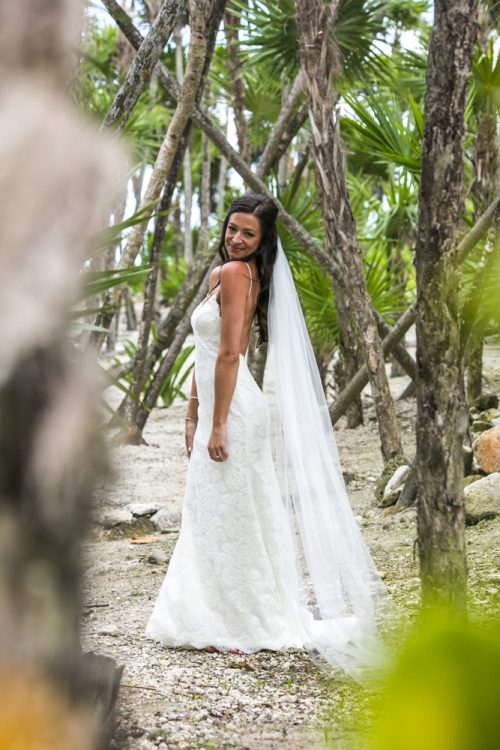 melissa-brian-beach-wedding-valentin-imerial-riveria-maya-01-2