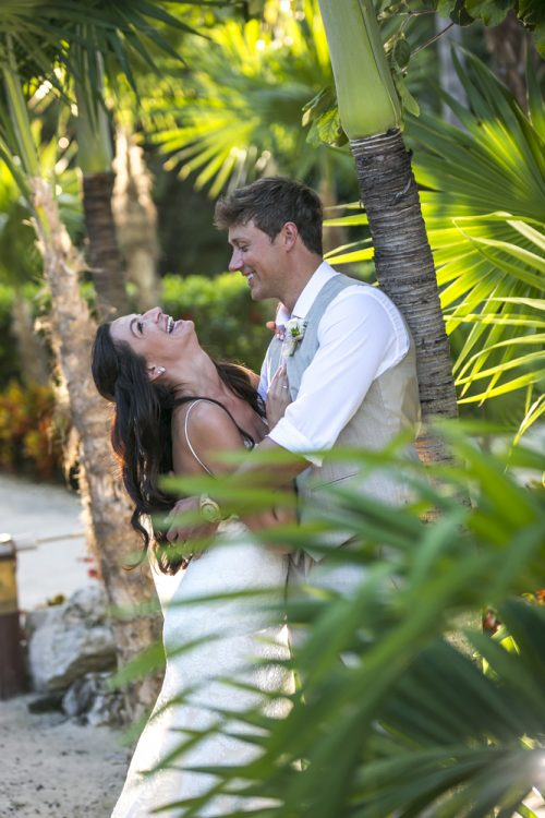 melissa-brian-beach-wedding-valentin-imerial-riveria-maya-01-6
