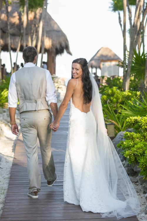 melissa-brian-beach-wedding-valentin-imerial-riveria-maya-01-8