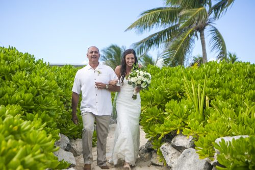 melissa-brian-beach-wedding-valentin-imerial-riveria-maya-02-19