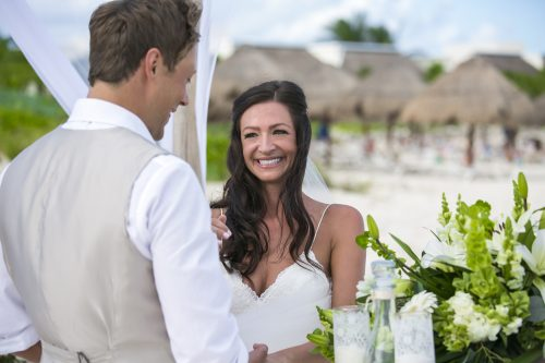 melissa-brian-beach-wedding-valentin-imerial-riveria-maya-02-21