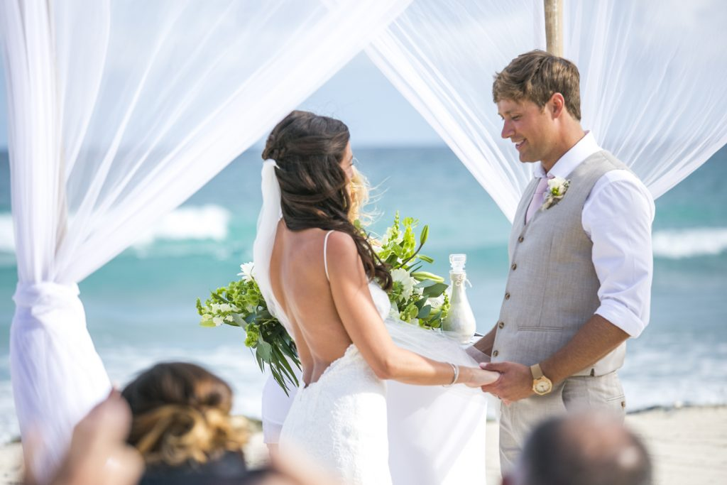 melissa-brian-beach-wedding-valentin-imerial-riveria-maya-02-25