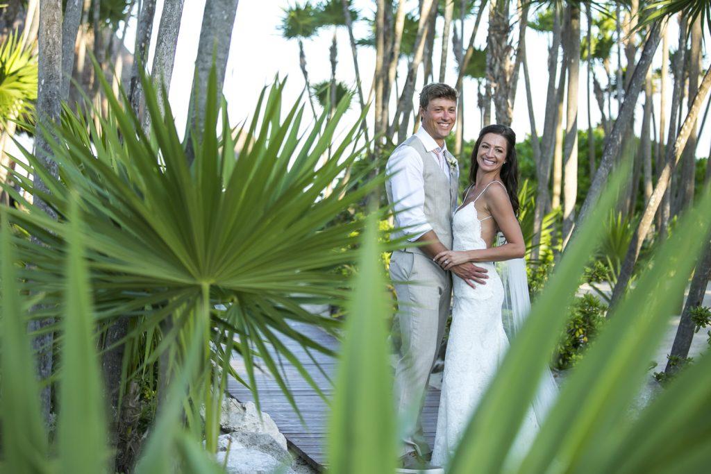 melissa-brian-beach-wedding-valentin-imerial-riveria-maya-02-35