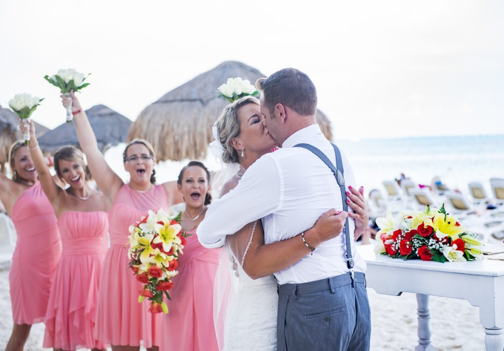 michelle-brandon-beach-wedding-riu-cancun-01-9