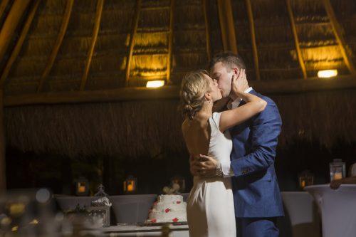 amber-brenden-beach-wedding-finest-mujeres-cancun-01-13