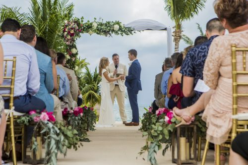 amber-brenden-beach-wedding-finest-mujeres-cancun-01-5