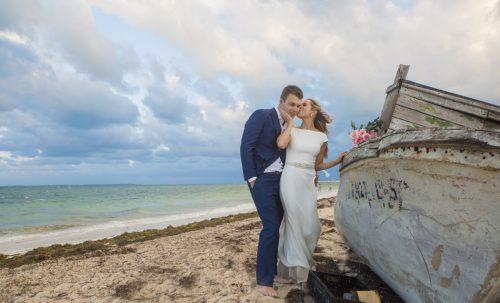 amber-brendon-beach-wedding-finest-mujeres-cancun-03-18