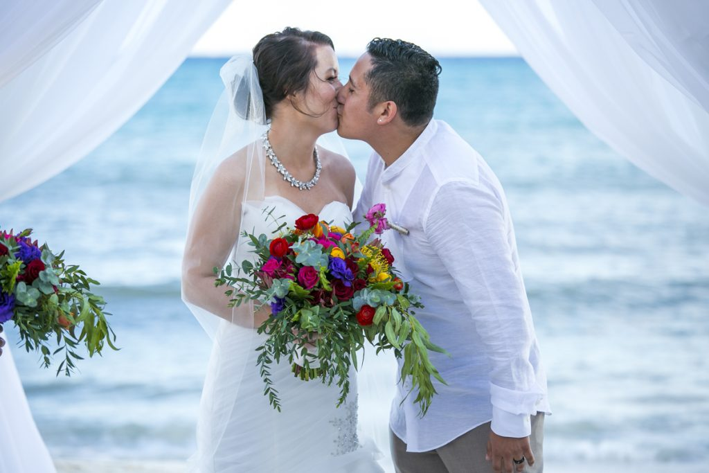Amber Mauricio beach Wedding Grand Coral Playa del Carmen 01 12 1024x683 - The Top 5 Wedding Venues On Isla Mujeres That You Probably Never Heard Of But Are Drop Dead Gorgeous