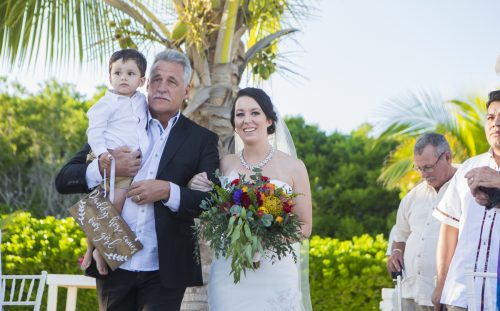 Amber Mauricio beach Wedding Grand Coral Playa del Carmen 01 2 500x311 - Amber & Mauricio - Grand Coral Beach Club