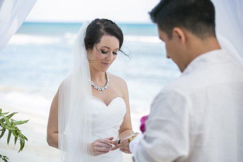 amber-mauricio-beach-wedding-grand-coral-playa-del-carmen-01-8