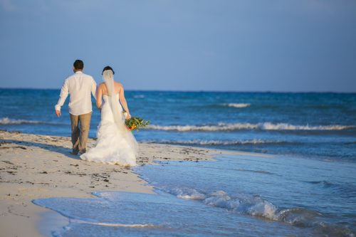 Amber Mauricio beach Wedding Grand Coral Playa del Carmen 04 3 500x333 - Amber & Mauricio - Grand Coral Beach Club