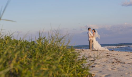 Amber Mauricio beach Wedding Grand Coral Playa del Carmen 04 5 500x293 - Amber & Mauricio - Grand Coral Beach Club