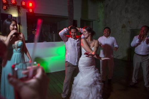 Amber Mauricio beach Wedding Grand Coral Playa del Carmen 06 10 500x333 - Amber & Mauricio - Grand Coral Beach Club