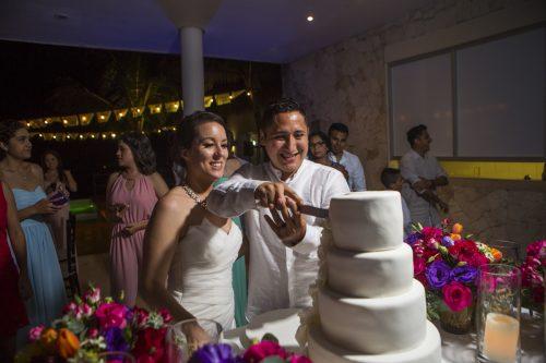 amber-mauricio-beach-wedding-grand-coral-playa-del-carmen-06-6