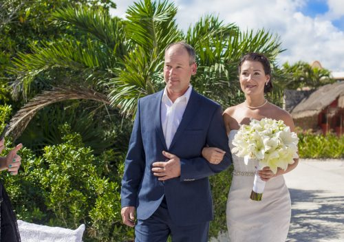 Katelyn Andrew beach wedding Grand Palladium riviera maya 01 6 500x352 - Katelyn & Andrew - Grand Palladium Resort