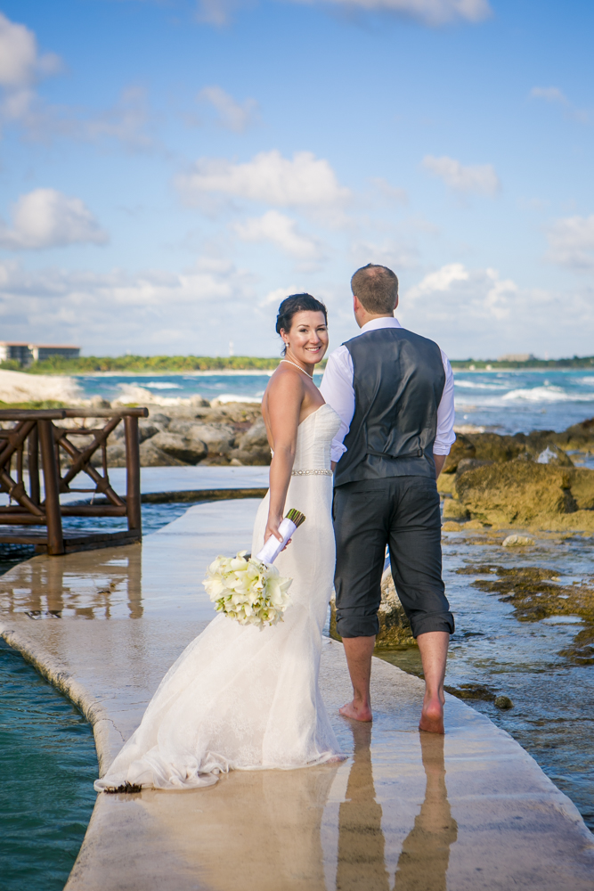 Katelyn Andrew beach wedding Grand Palladium riviera maya 03 10 - Katelyn & Andrew - Grand Palladium Resort
