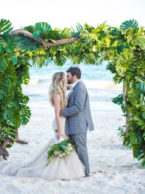 jessica-brian-beach-wedding-akiin-beach-club-tulum-05-9