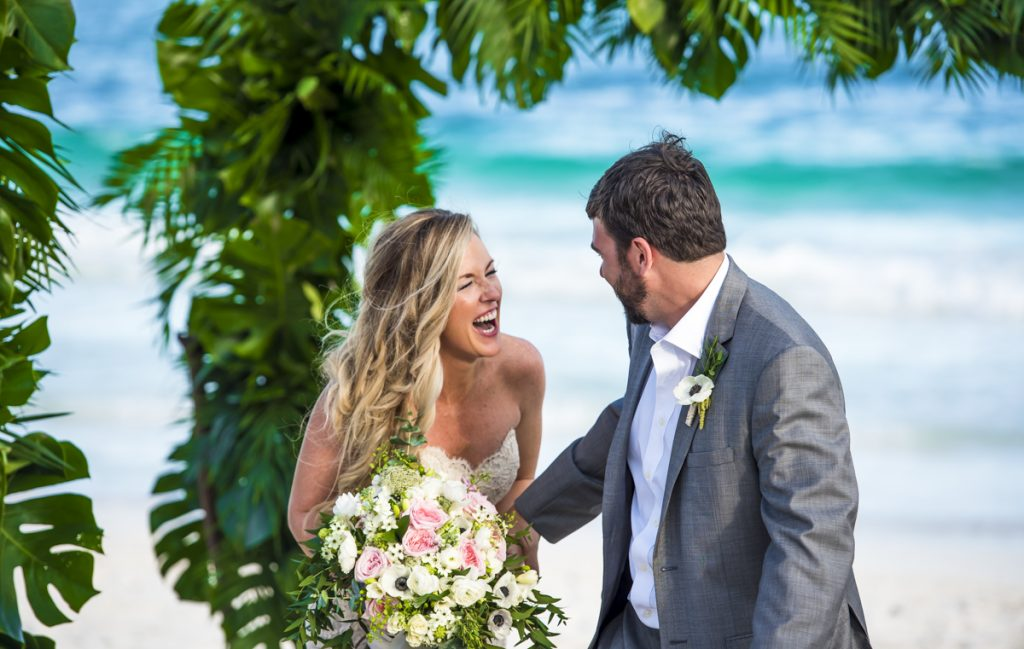 jessica-brian-beach-wedding-akiin-beach-club-tulum-06-28