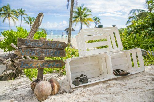 kayla-logan-beach-wedding-puerto-aventuras-mexico-01-13