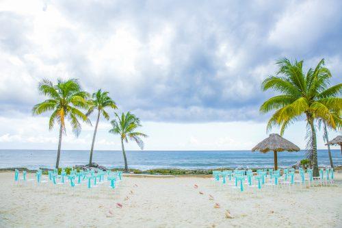 kayla-logan-beach-wedding-puerto-aventuras-mexico-01-4