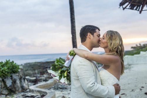 kayla-logan-beach-wedding-puerto-aventuras-mexico-01-41
