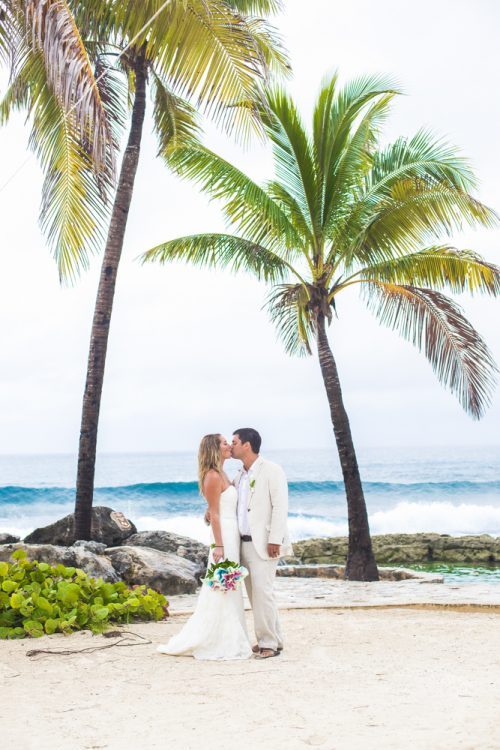 kayla-logan-beach-wedding-puerto-aventuras-mexico-02-6