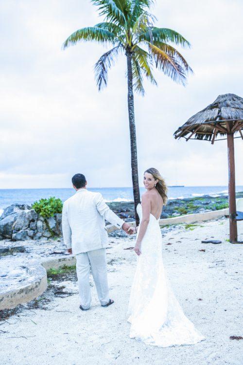 kayla-logan-beach-wedding-puerto-aventuras-mexico-02-9