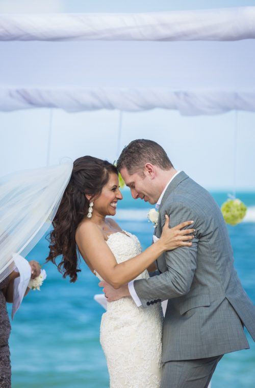 neesha-mike-beach-wedding-finest-Playa-mujeres-cancun-01-11