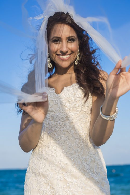 neesha-mike-beach-wedding-finest-Playa-mujeres-cancun-01-12