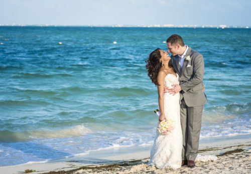 neesha-mike-beach-wedding-finest-Playa-mujeres-cancun-02-24