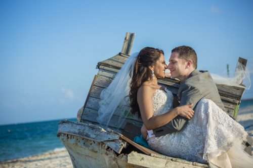 neesha-mike-beach-wedding-finest-Playa-mujeres-cancun-02-29