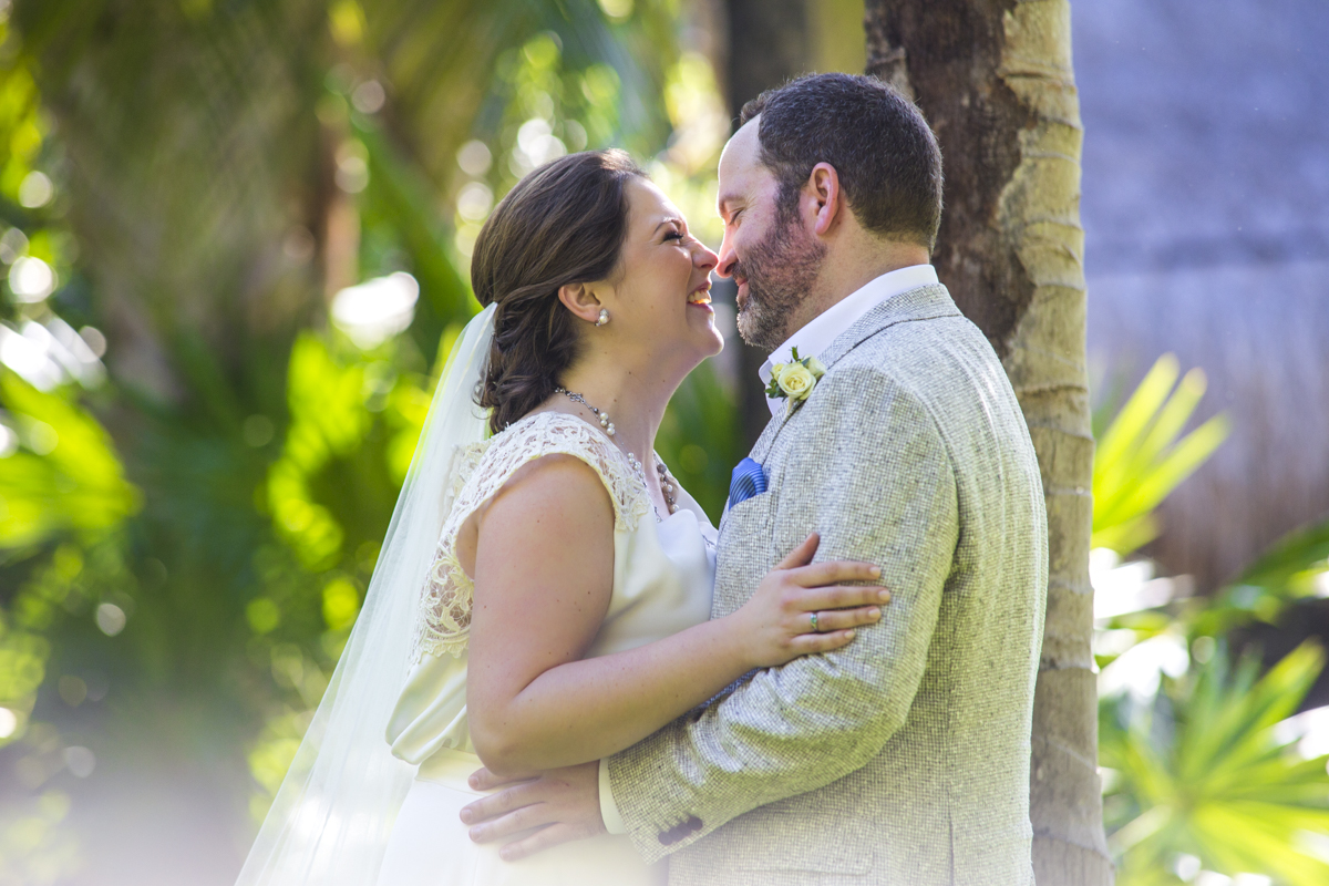 Just Married Wedding Photography Gallery Fun In The Sun