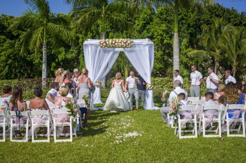 ashley vivian riviera maya wedding rui palace mexico 04 10 500x333 - Ashley & Vivian - Riu Palace Mexico