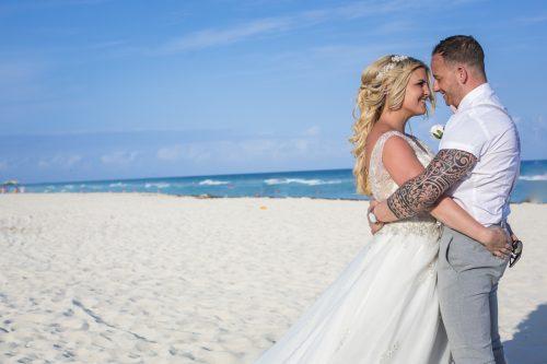 ashley vivian riviera maya wedding rui palace mexico 04 16 500x333 - Ashley & Vivian - Riu Palace Mexico
